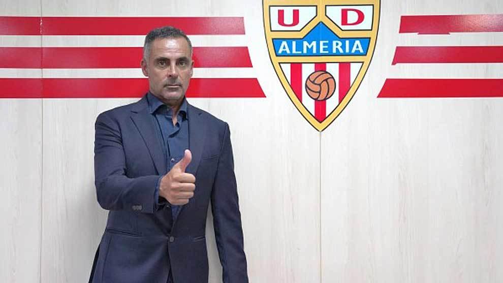 Jose Gomes, durante su presentación como nuevo entrenador del equipo...