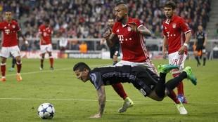 James y Vidal, en un Bayern-Madrid de Champions en la temporada 16-17
