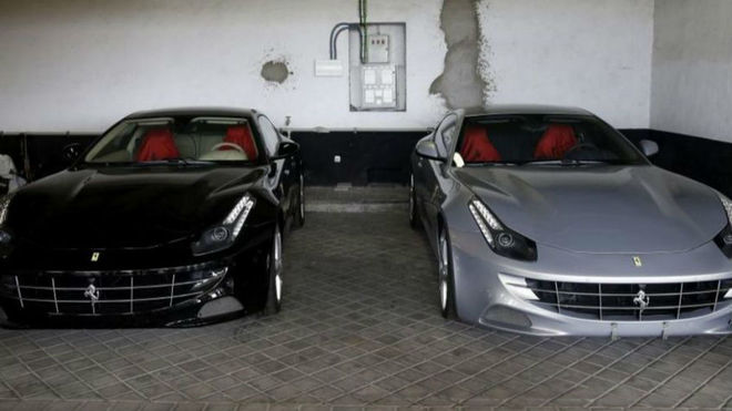 Los dos Ferrari que el jeque de Dubai regaló al Rey Juan Carlos en...