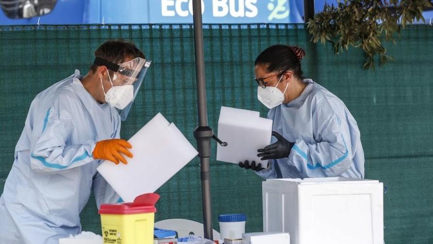 La cifra mundial de positivos por coronavirus se duplica en poco más...