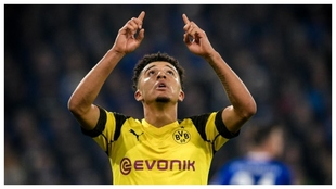 Jadon Sancho celebra un gol contra el Schalke.