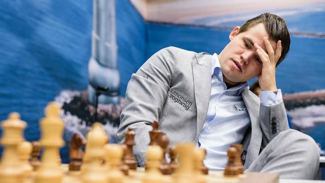 Magnus Carlsen durante una de sus partidas.