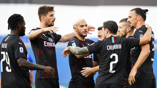 Así festejó el Milan su victoria contra la Sampdoria.