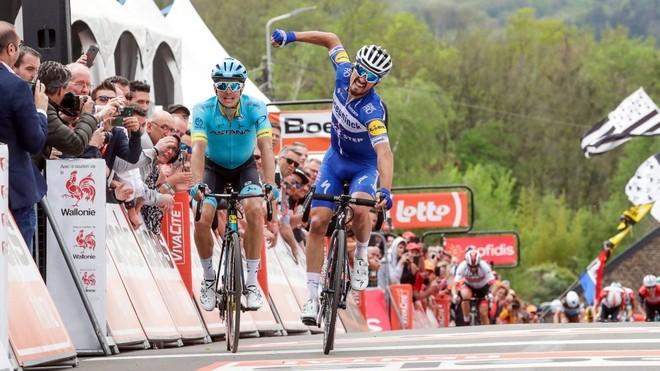 El ciclista francés Julian Alaphilippe, vencedor de la última...