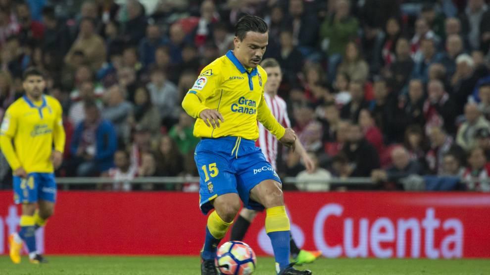 Roque Mesa en el Athletic - Las Palmas en 2017