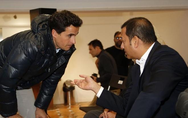 Jorge López dialoga con Anil Murthy.