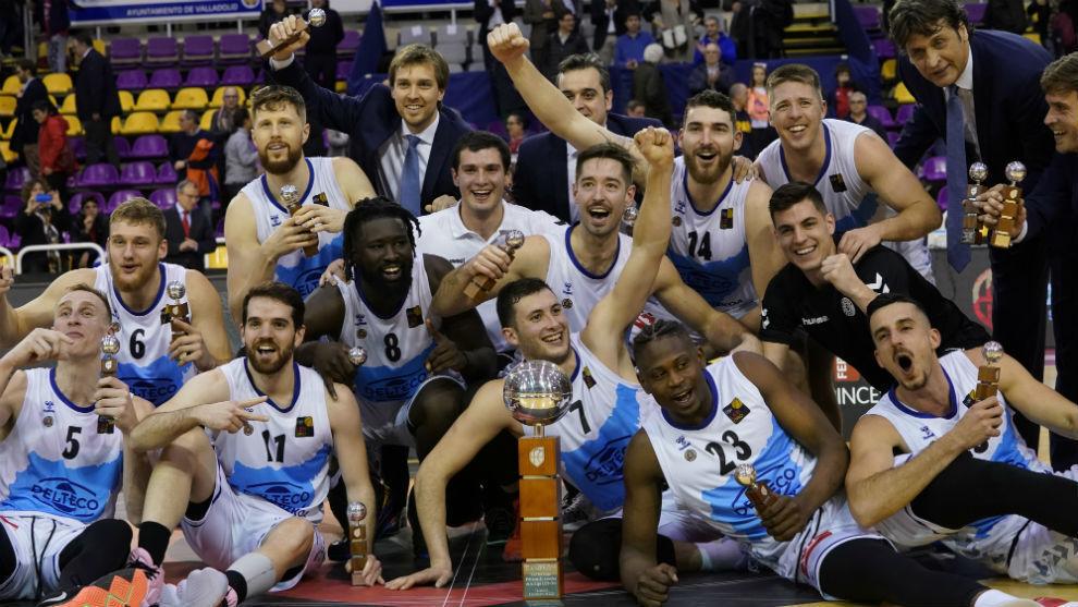 Los jugadores del Gipuzkoa Basket celebran el título de la Copa de la...