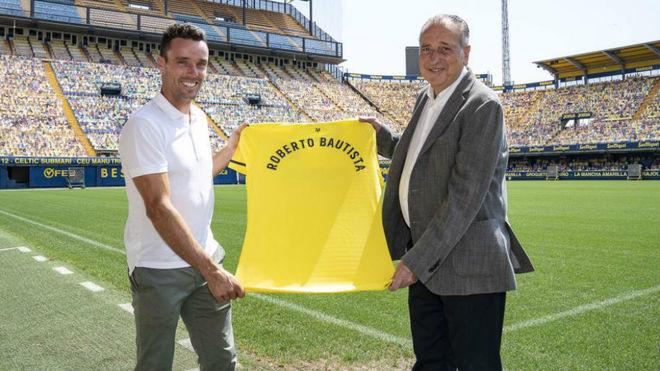 Roberto Bautista y Fernando Roig, con la camiseta del Villarreal.