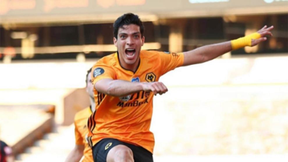 Raúl Jiménez estaría en camino a Manchester.