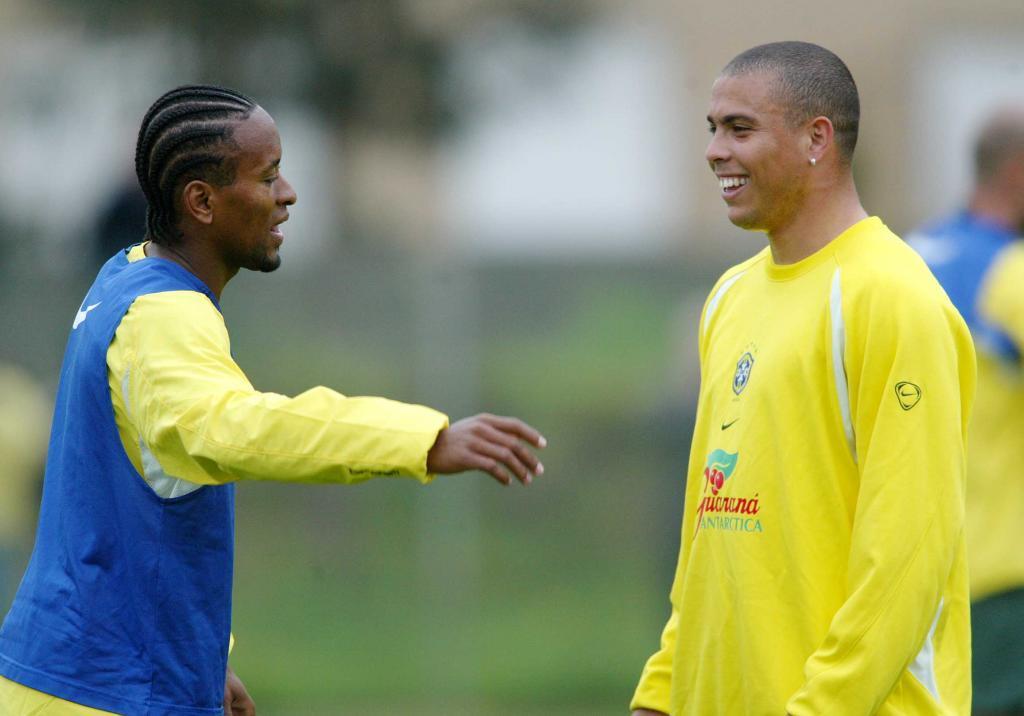 Ze Roberto y Ronaldo en un entrenamiento con Brasil.