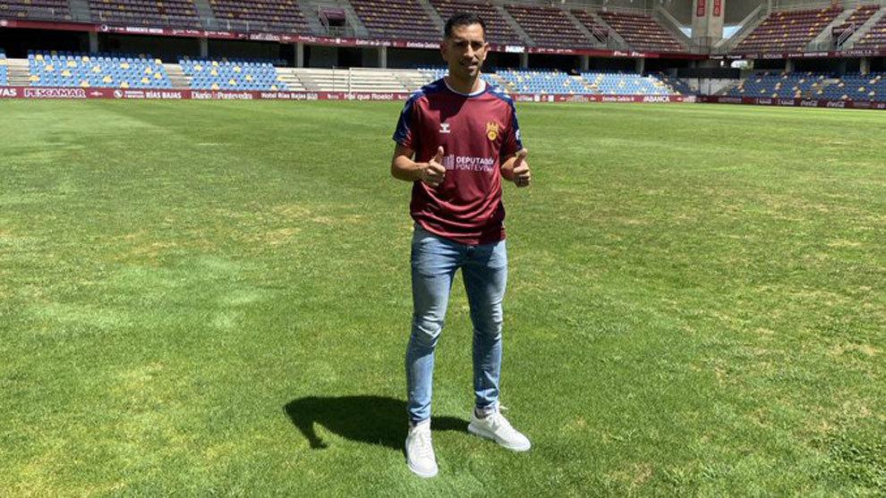 El brasileño Charles Dias regresa al Pontevedra