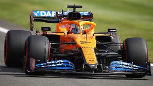 Sainz pone la luz en McLaren