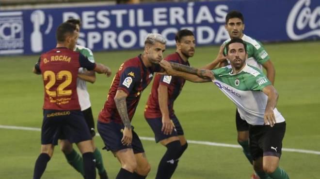 El partido entre Extremadura y Racing.