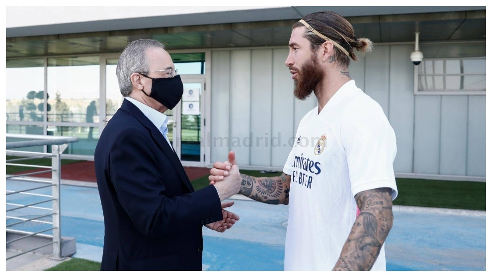 Florentino Perez visits Real Madrid squad to show support ahead of Manchester City tie