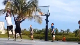 "Vacilada épica de 'Air' a unos chavales: ""¿Tenéis Youtube? Buscad Michael Jordan"""