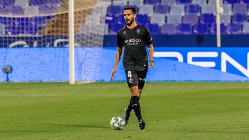 Pablo Insua seguirá en el Huesca tres años más