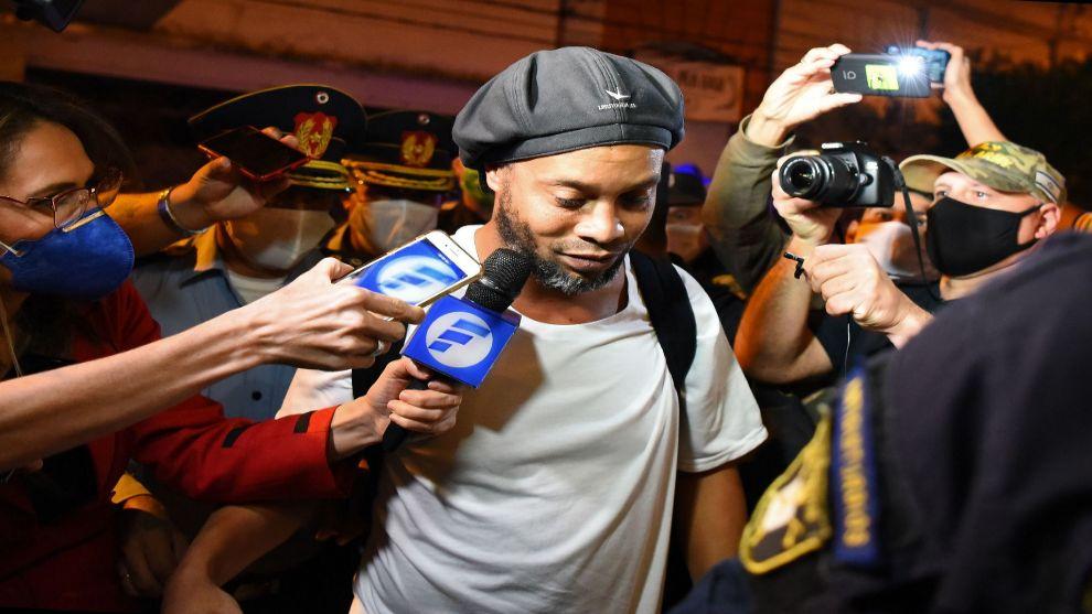 Los abogados de Ronaldinho se preparan para que sea libre en agosto