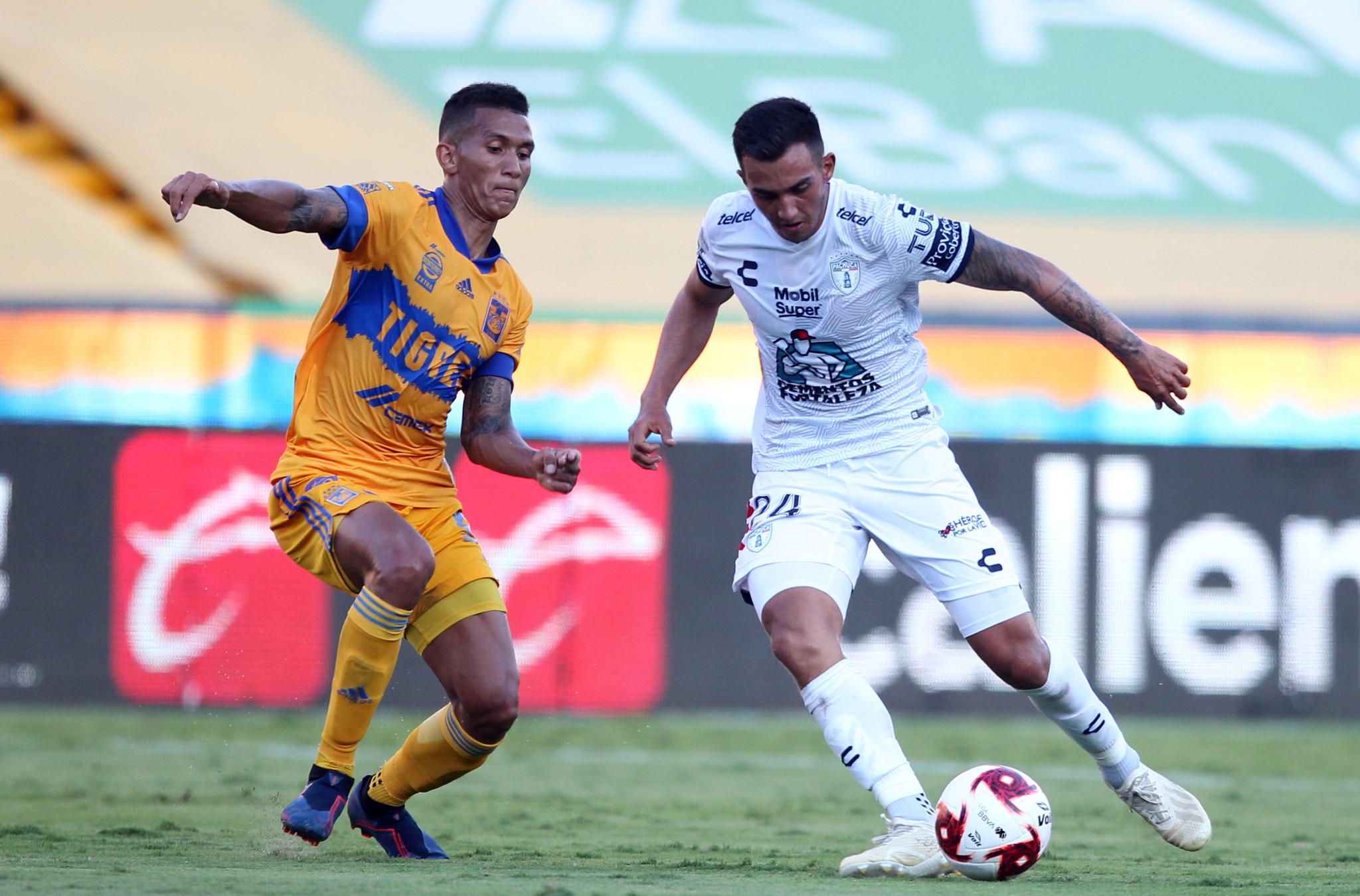 Pachuca rescata el empate ante Tigres de último minuto con gol de Ismael Sosa