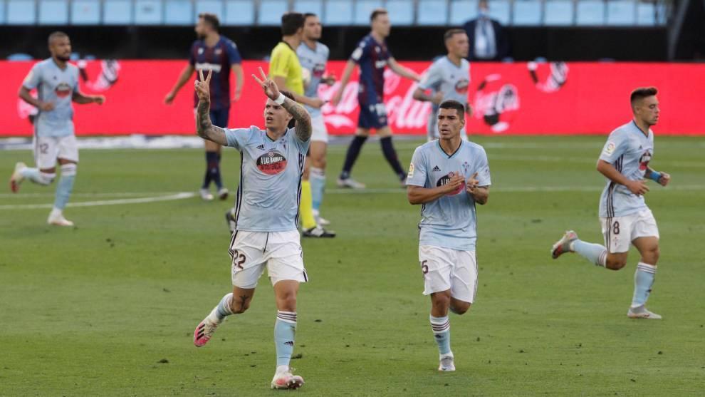 El Celta celebra el primer gol ante el Levante