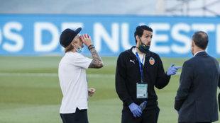 Dani Parejo, antes de jugar un partido con el Valencia.