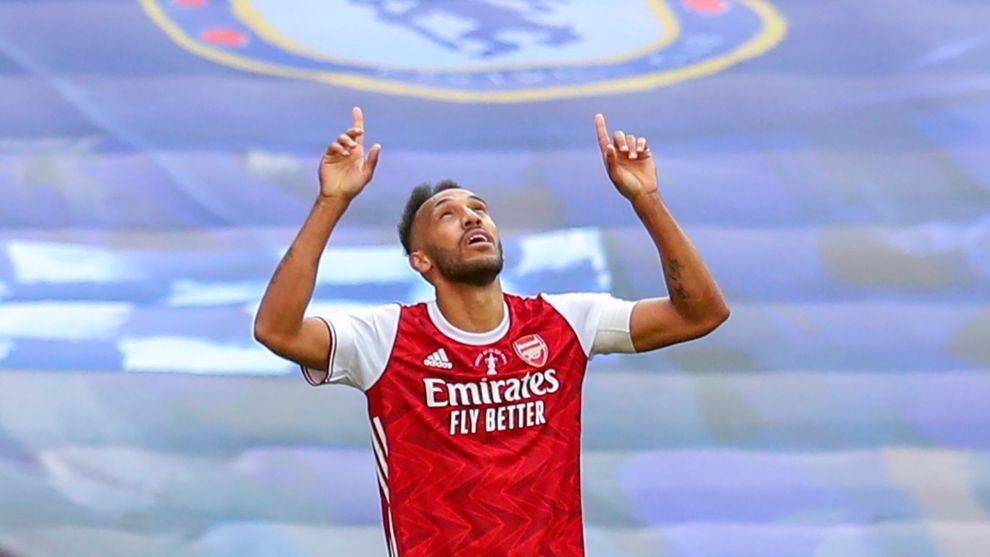 London (United Kingdom), 01/08/2020.- ArsenalÄôs Pierre-Emerick lt;HIT gt;Aubameyang lt;/HIT gt; celebrates after scoring his second goal for 2-1 lead during the English FA Cup final between Arsenal London and Chelsea FC at Wembley stadium in London, Britain, 01 August 2020. (Laos, Reino Unido, Londres) EFE/EPA/Cath Ivill/NMC/Pool EDITORIAL USE ONLY. No use with unauthorized audio, video, data, fixture lists, club/league logos or live services. Online in-match use limited to 120 images, no video emulation. No use in betting, games or single club/league/player publications