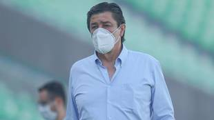 Luis Fernando Tena no pone excusas en Chivas