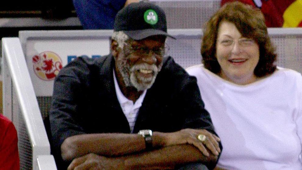 Bill Russell en un partido de baloncesto