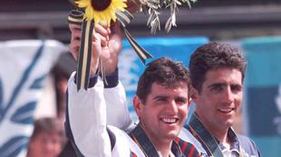 Abrahm Olano y Miguel Indurain en el podium de Atlanta 1996