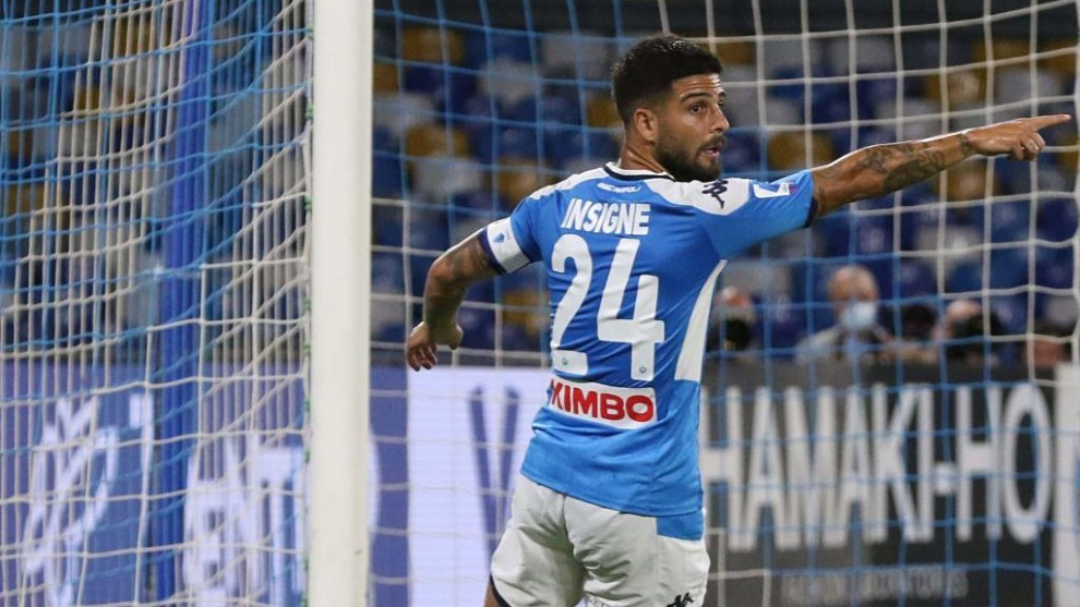 Napoli keep the suspense over Insigne injury