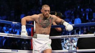 """La primera derrota de McGregor: """"Se retiró al minuto y se quedó en el suelo llorando..."""""""