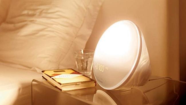 El despertador de luz que simula el amanecer y te ayuda contra la somnolencia y el cansancio