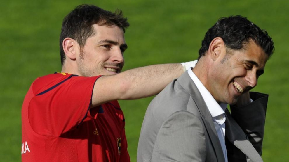 Iker Casillas with Fernando Hierro during Spain training