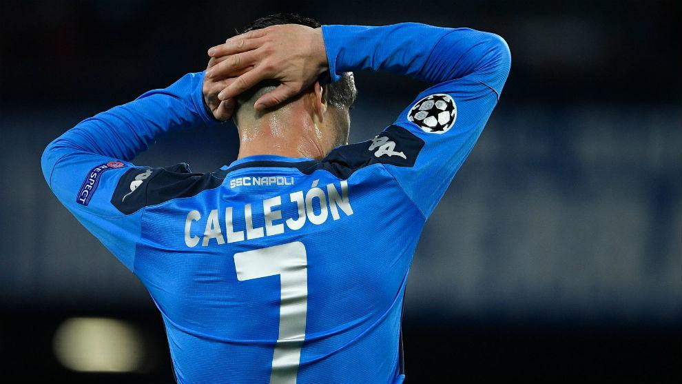 Callejón durante un partido de UEFA Champions League.