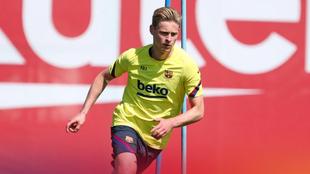 Frenkie de Jong en entrenamiento con el Barcelona.