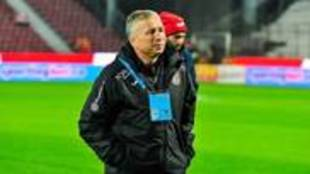 Dan Petrescu, entrenador del CFR Cluj
