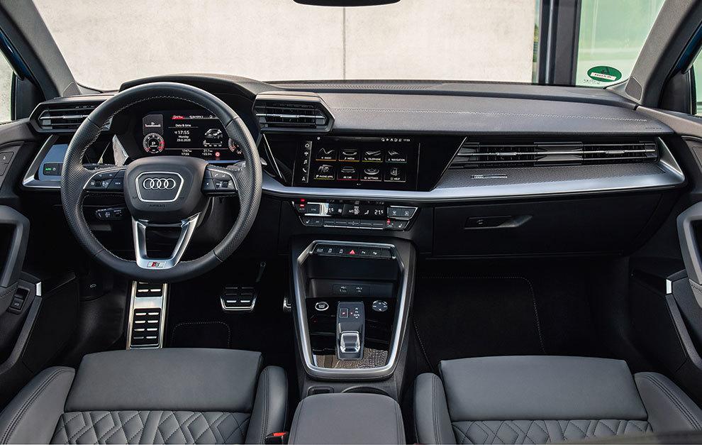 La calidad del salpicadero cumple las expectativas puestas en un coche del segmento premium.