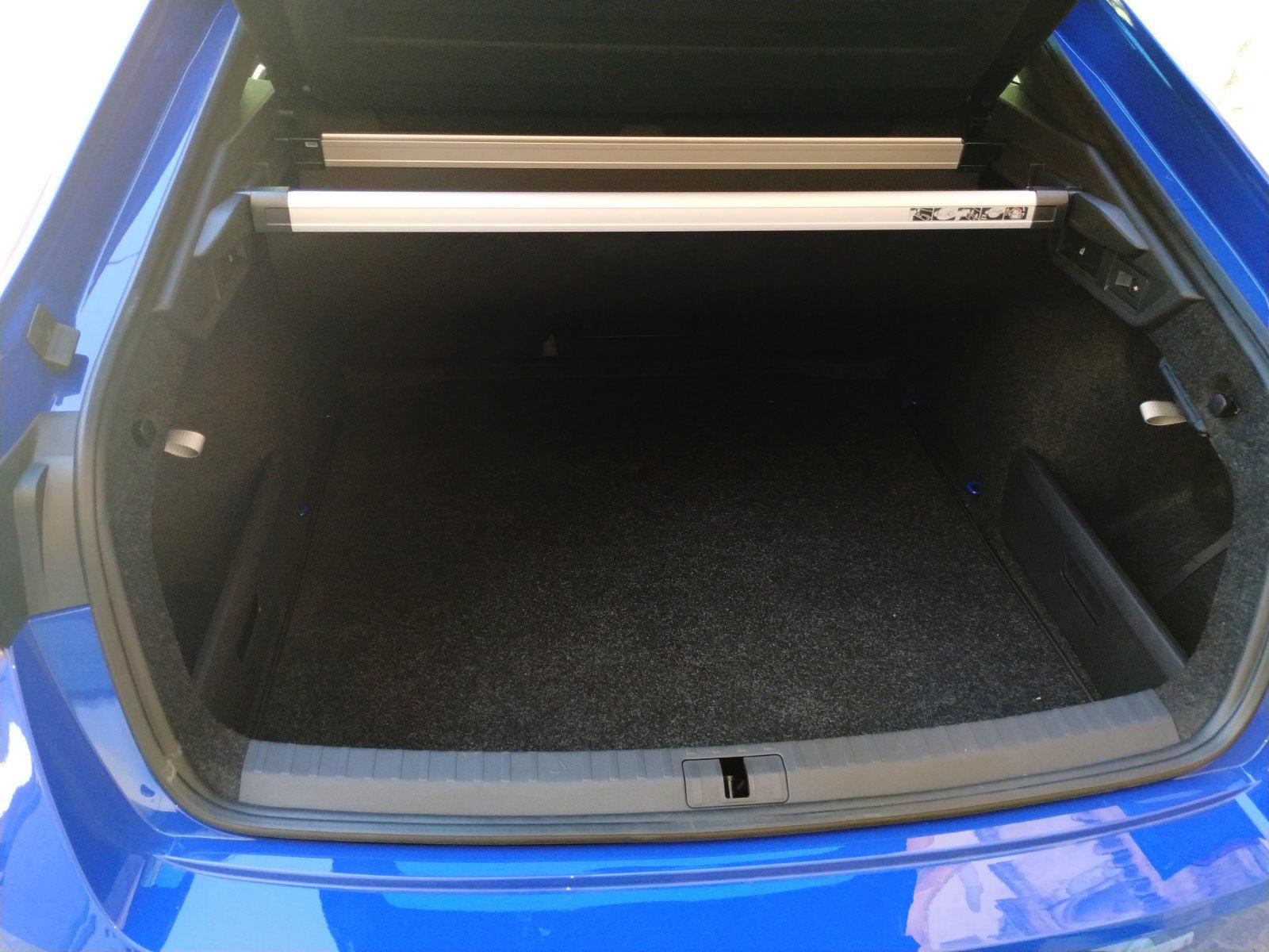 El maletero tiene 600 litros, formas muy limpias y una boca amplísima.