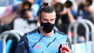 Gareth Bale en un duelo del Real Madrid.