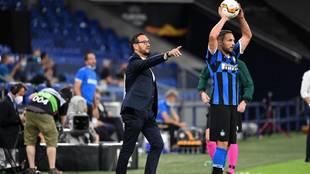 Bordalás se dirige a sus jugadores durante el partido ante el Inter