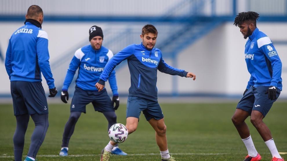 Los jugadores del Leganés, durante un entrenamiento de la pasada...