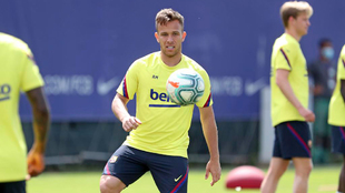 Arthur Melo en entrenamiento con el Barcelona.