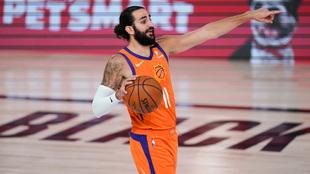 Ricky Rubio marca jugada en el ataque de los Suns