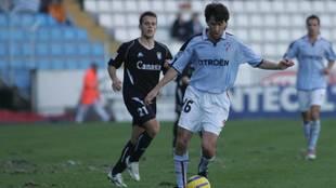 José Ignacio Sáenz conduce el balón en un partido