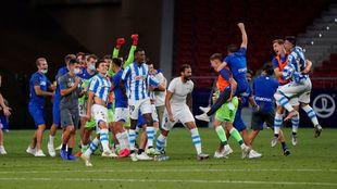 Los jugadores realistas celebran el pase a la Europa League.