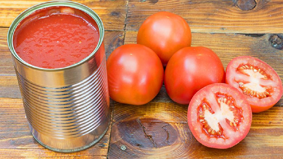 La OCU elabora una lista con los tomates fritos menos saludables del mercado
