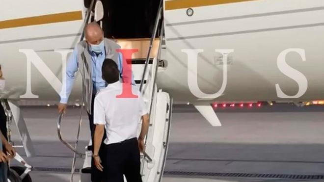 El rey emérito Juan Carlos I, a su llegada el lunes a Abu Dabi,...