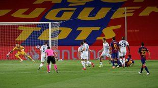 Messi marcó un golazo en el duelo de vuelta de octavos de final de...