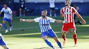 Sadiku celebra un gol logrado con el Málaga en Segunda.
