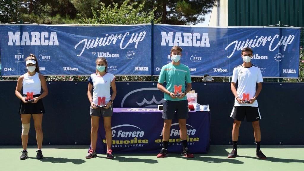 Vencedores y finalistas de la prueba del RTP-Marca Junior Cup by...