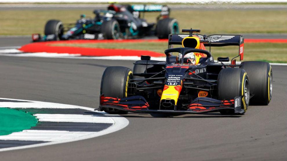 Verstappen, por delante de Bottas, vencedor en el GP 70 Aniversario de...